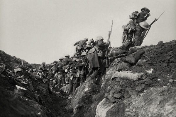 WWI-troops-over-the-top-070116hr